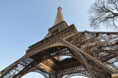 Eiffel Tower strike ends after deal to tackle long waits