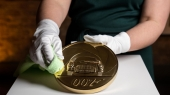New seven-kilo gold coin unveiled to celebrate James Bond film